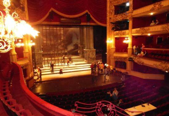 L'Opera a casa