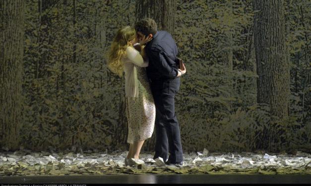 Torna al Teatro La Fenice la Traviata firmata da Carsen
